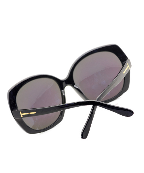 Butterfly oversized sunglasses for women and girls.