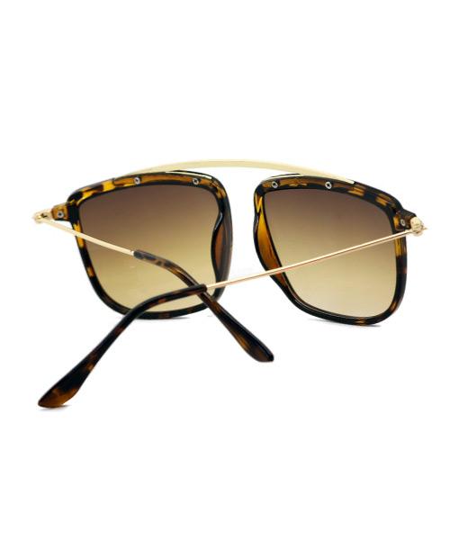 Bridgeless stylish sunglasses for women.