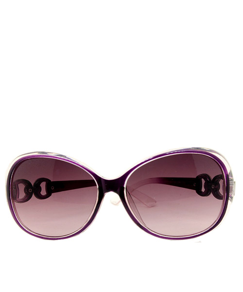 Women purple oversized sunglasses.