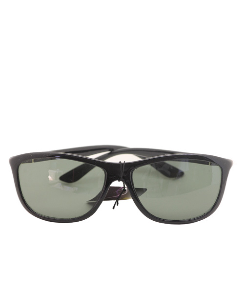 Polarized black grey wayfarer unisex sunglasses.