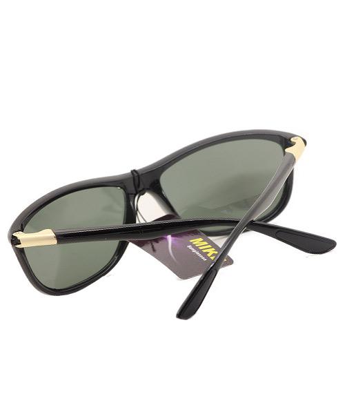 Polarized black grey wayfarer unisex sunglasses.