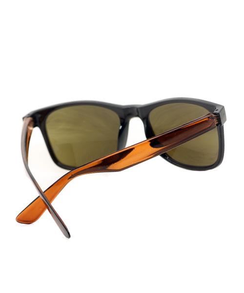 Brown transparent unisex wayfarer sunglasses.