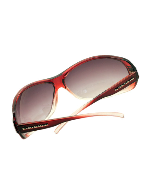 Maroon classic oval sunglasses for women.