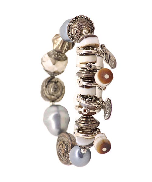 Multi-hued Trinkets Charms Beads Girls Bracelet.