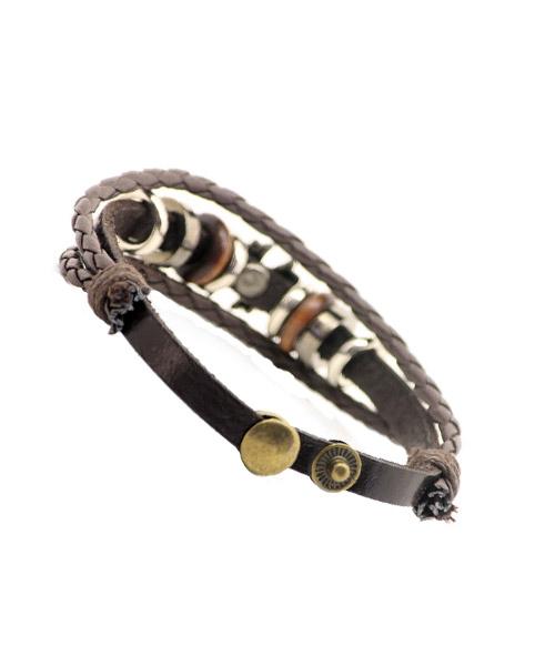 Metal rings wooden beads girls bracelet.